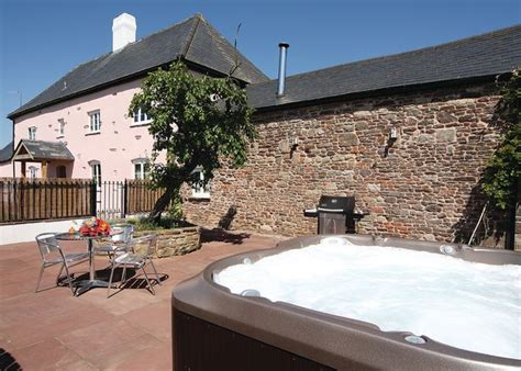 Cheap Cottages Wales by The Warrage Cottages Nr Raglan Monmouthshire Go