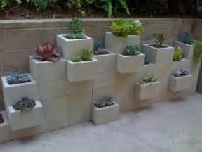 10 cool ideas to decorate your home with concrete blocks