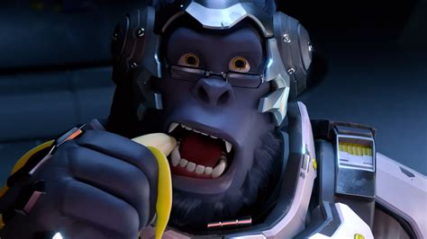 streamer plays overwatch  bunch  bananas