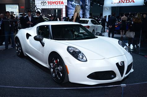 2015 alfa romeo 4c launch edition front side view photo 31