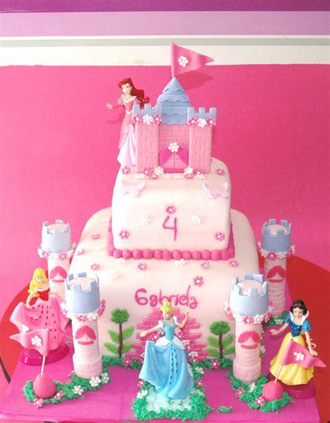 como decorar tortas para quinceañeras tortas de castillos de princesas de disney imagui