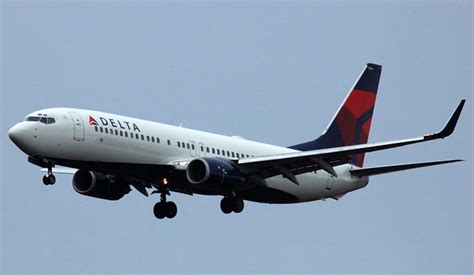 Delta Airlines R by Delta Airlines Cutting Back Flights To Panamericanworld
