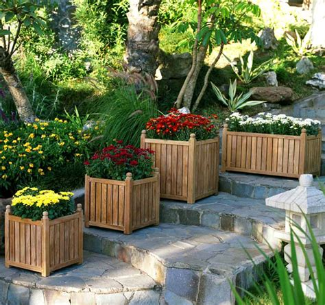 Backyard Planters Ideas by Outdoor Planter Design Ideas Outdoortheme
