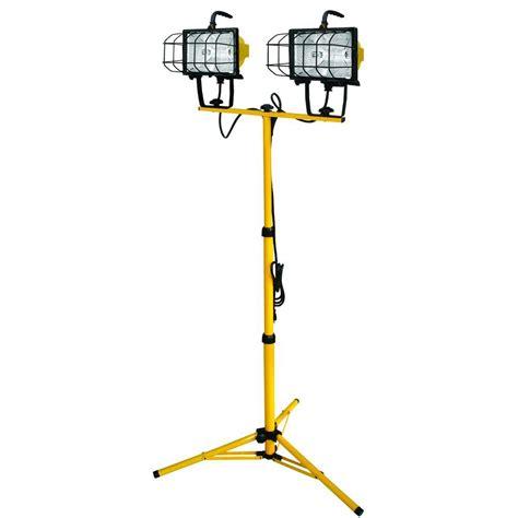 arlec 1000w halogen worklight with tripod voltec 1000 watt halogen tripod work light 08 00211 the home depot