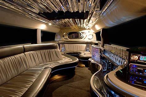 luxury limousine top 5 benefits of hiring limousine service bravo limo