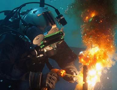 become an underwater welder with the underwater welding