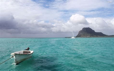 sky boat boat ocean mountain cloud sky hd wallpapers