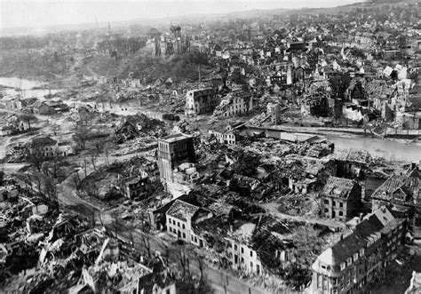 destruction   town  kleve february  os