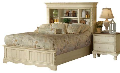 hillsdale wilshire 5 piece bedroom set in antique white hillsdale wilshire 4 piece bookcase bedroom set in antique