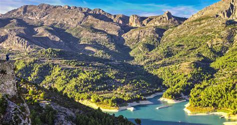 el valle prodigioso guadalest el prodigioso valle de los n 237 speros viajes el mundo