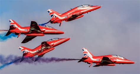 airshow news raf red arrows display    squadron leader mike ling  joins  team