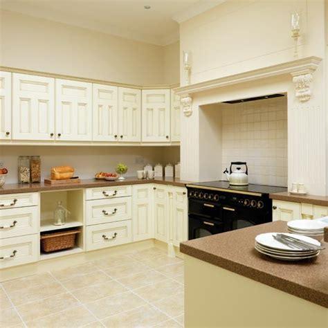 cream kitchens take a tour around a cream painted kitchen housetohome co uk