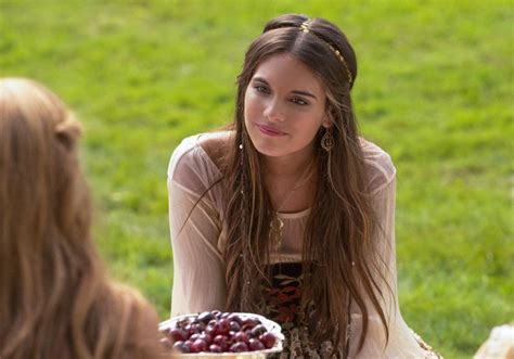 reign hair styles hottest woman 11 18 15 caitlin stasey please like me