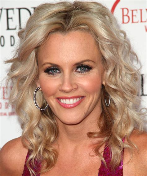 hairstyle of jenny mccarthy on the view meg ryan short hairstyles front and back