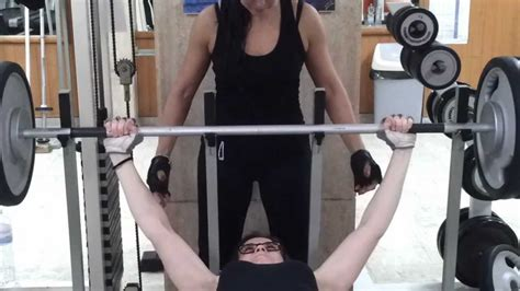 women s world record bench press woman record bench press 142kg youtube