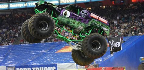 trucks grave digger crashes truck grave digger crashes in ta
