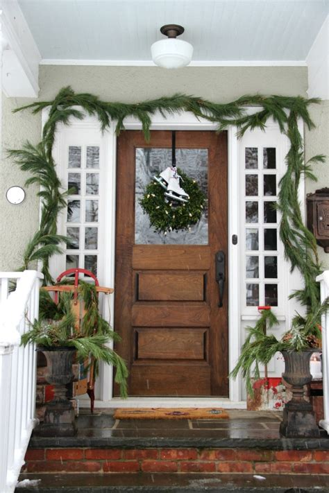 christmas porch decorating ideas 20 beautiful christmas porch ideas diy christmas decorating