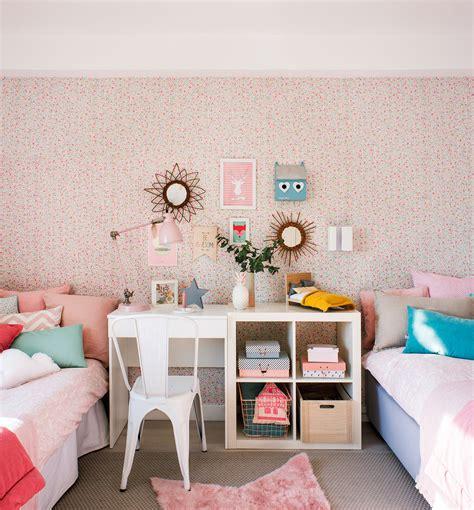decorar habitacion de matrimonio con papel pintado decora la habitaci 243 n infantil con papel pintado