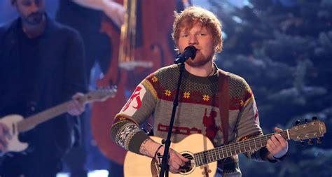 ed sheeran xmas song ed sheeran reacts to landing uk s official christmas no 1