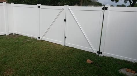 12 Foot Vinyl Gate by Vinylfence Singleton Fence 13 Vinyl Gate Clipgoo