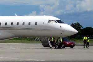 oprah winfrey jet oprah winfrey s private jet sits on the tarmac at cairns