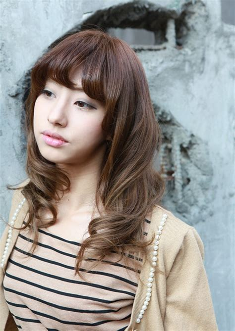 new beautiful long wavy hairstyle for asian girls ladies