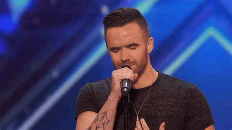 Singer earns standing ovation on america s got talent 2016 video