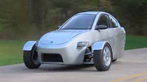 new car 84 mpg designed for lone commuters this three wheeled car gets