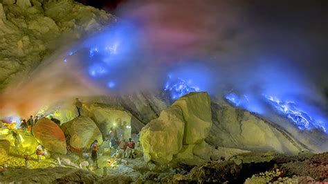 Blue Flame Ijen Crater, Sukamade, Mt Bromo Tour 4 Days