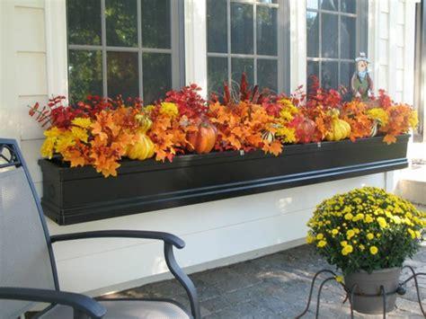 balkon deko herbst herbstblumen als haus oder tischdekoration einsetzen