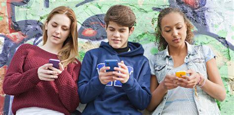 imagenes de adolescentes usando redes sociales el impacto de las redes sociales en los adolescentes