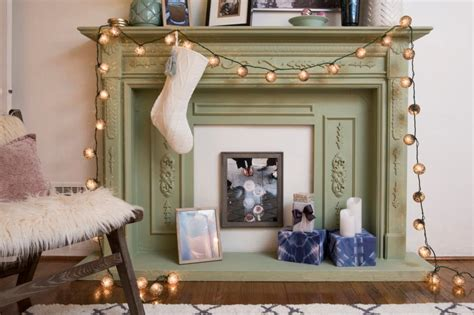 10 holiday decorating ideas for small spaces hgtv holiday decorating ideas for renters hgtv