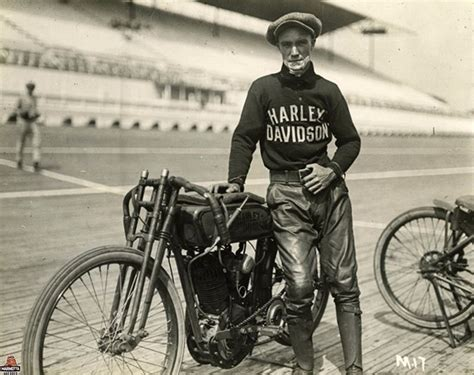 Vintage Harley Davidson Photos by 15 Fascinating Vintage Photographs Of Motorcycle Riders