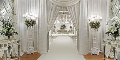 pernikahan lokasi pernikahan dekorasi pelaminan dalam gedung resepsi pernikahan vemale