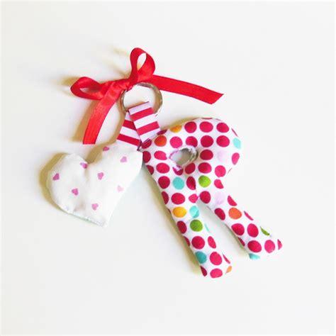 lettere di stoffa ciondolo per portachiavi lettere di stoffa idea regalo