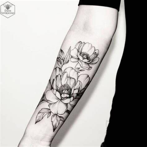 tatuaggi fiori immagini significato fiori tatuaggio immagini disegni tatuaggi fiori