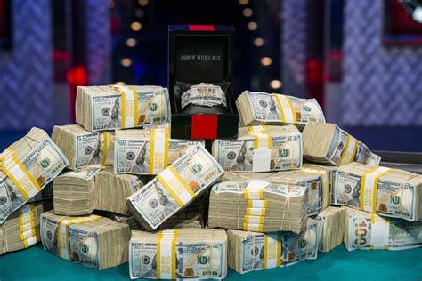 manage  bankroll bump   stakes pokernews