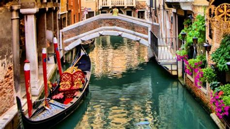 best place to get a gondola in venice accommodation in venice is expensive where s best to stay