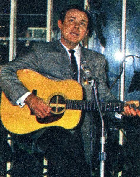 jim reeves fan club website jim reeves singing quot i love you because quot at a press