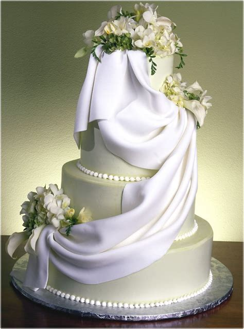 Wedding Cakes – Wedding Cake: A Gallery of Cakes by Shelly   WeddingDates