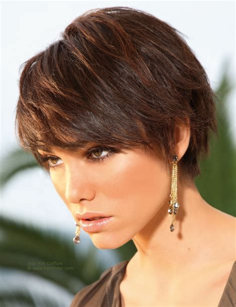 feminine hairstyles for shorthaired men short layered boyish hairstyle with easy styling