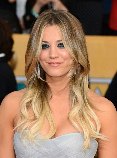 how does kaley cucco style her hair kaley cuoco instagrams new short choppy haircut pictures