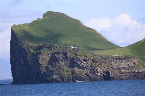 of island image gallery heimaey