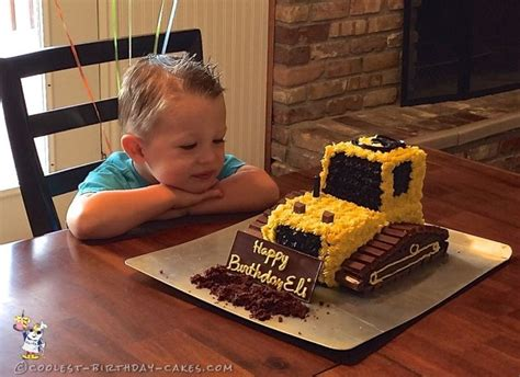 how to your 3 year coolest 3rd birthday bulldozer cake more bulldozer cake birthdays and cake ideas