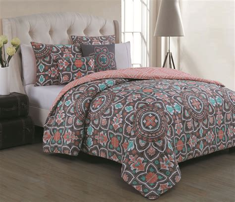 bedroom interesting decorative bedding  comfortable