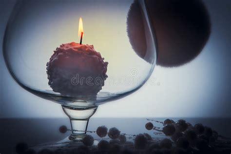 combustione candela combustione della candela della palla di neve dentro il