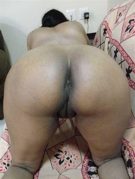 Mallu Bhabhi Nude Photos