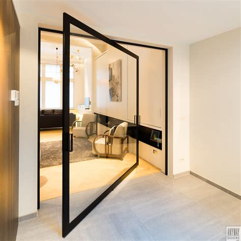 portes pivotantes avec charni 232 res pivotantes centrales ou