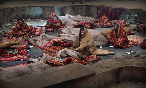 lack of affordable housing forces india s poor into death