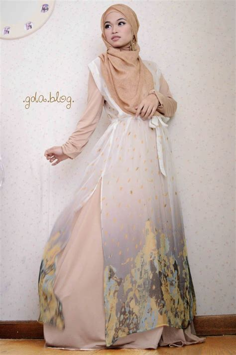 Top Juntai Dusty Baju Atasan Jumbo Blouse Muslimah Jumbo 18 best images about ghaida tsurayya on pearl necklaces styles and sleeveless